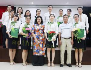 dong phuc van phong ngan hang vietcombank aothundepsg